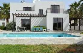 3 bedroom houses by the sea for sale in Kissonerga. 8 x 3 Bedroom Detached Villas on Private Compex 50m To Sandy Beach