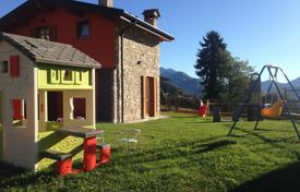 Residential for sale in San Benedetto del Tronto. Villa in Val Seriana, Italy