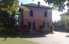 Property for sale in Villa Guardia. Villa – Villa Guardia, Lombardy, Italy