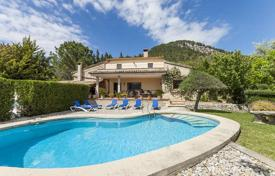 Country home in a quiet area with a swimming pool and three terraces, Pollensa, Mallorca, Spain. High rental potential! for 1,250,000 €