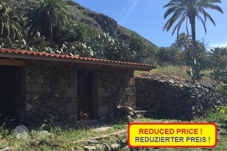 Cheap houses for sale in Canary Islands. Lovely Finca in Fataga
