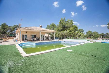 3 bedroom houses for sale in Alberic. Villa – Alberic, Valencia, Spain