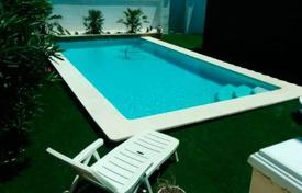 Houses with pools by the sea for sale in Spain. Townhome – Valencia (city), Valencia, Spain