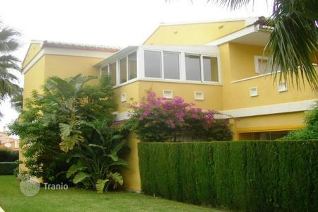 Cheap residential for sale in Denia. Apartment – Denia, Valencia, Spain