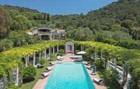 Magnificent 19th-Century Holiday Villa in Cannes Californie Area. Price on request