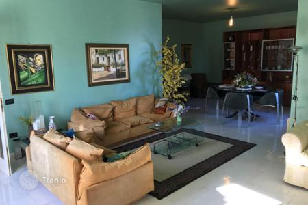 Property for sale in Augusta. Seaside house with a terrace, a garage, and access to the beach in Augusta, Sicily, Italy