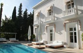 Villa of the 19th century in style of Belle Epoque, Cannes for 3,990,000 €