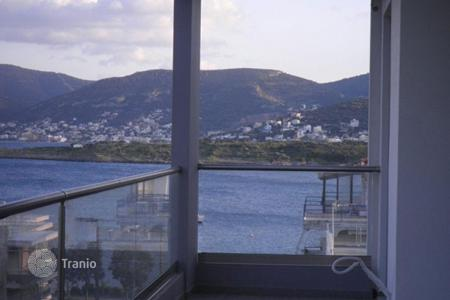 Coastal new homes for sale in Attica. Bay view apartment with large balconies, in a comfortable residence, at 50 meters from the sea, Porto Rafti, Greece