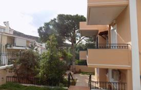 Houses for sale in Vari. Two-storey house in the southern district of Athens