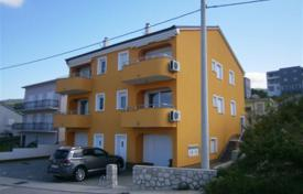 Cheap residential for sale in Primorje-Gorski Kotar County. Apartment in Crikvenica