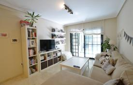 Apartments for sale in L'Alfàs del Pi. Bright two-bedroom apartment in a complex with a pool and a garage, Alfaz del Pi, Alicante, Spain