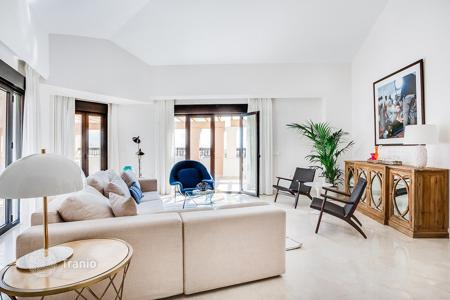 5 bedroom apartments for sale in Andalusia. Penthouse – San Pedro Alcántara, Andalusia, Spain