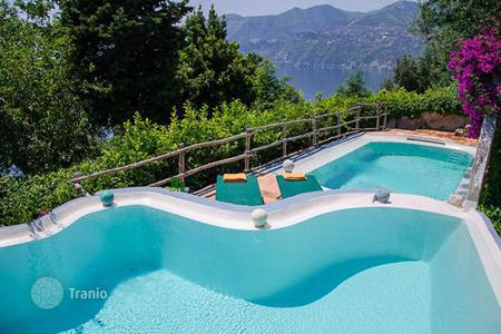 Villas and houses with pools to rent in Maiori. Torre Saracena di Maiori