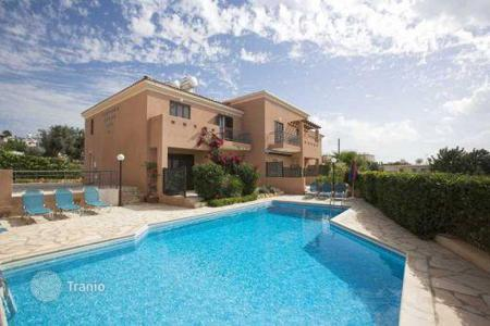 Property for sale in Paphos. Townhouse with sea views in a complex with pool and garden, on the outskirts of the village of Peyia, Paphos