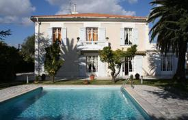 5 bedroom houses for sale in Nice. Nice — Magnificent mansion