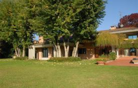 Residential for sale in Milan. Villa – Milan, Lombardy, Italy