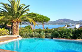 Coastal houses for sale in Côte d'Azur (French Riviera). Close to Saint-Tropez — Beautiful villa with sea view