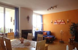 Residential for sale in Vienna. Three-bedroom apartment with 2 balconies and panoramic views of the city in Döbling, Vienna