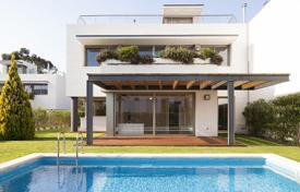 Coastal property for sale in Barcelona. Two-level villa with a pool and sea views in Sant Vicenç de Montalt, Catalonia, Spain