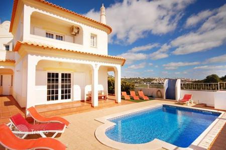 Property to rent in Portugal. Detached house – Albufeira, Faro, Portugal