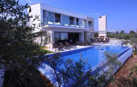 Houses with pools for sale in Splitska. Furnished sea view apartment with a garden, a swimming pool and a parking, Splitska, Brač island, Croatia