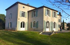 BIG HOUSE OF MASTER in the heart of a beautiful garden of 4 hectares in the Luberon Massif for 1,260,000 €