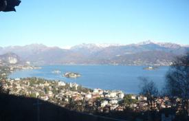 2 bedroom apartments for sale in Maggiore (Italy). Comfortable apartment with a terrace and lake views, Stresa, Piedmont, Italy