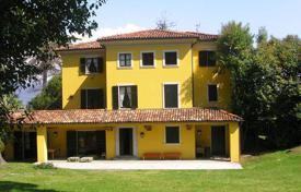 Coastal houses for sale in Piedmont. Villa – Piedmont, Italy