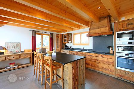 4 bedroom villas and houses to rent in Swiss Alps. Detached house – Nendaz, Valais, Switzerland