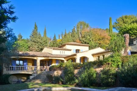 Cheap 5 bedroom houses for sale in France. Villa – Mougins, Côte d'Azur (French Riviera), France