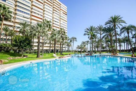 3 bedroom apartments by the sea for sale in El Campello. First line apartment with sea views
