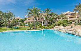 Apartments with pools for sale in Costa del Sol. Fabulous Apartment in Los Monteros Playa, Marbella East