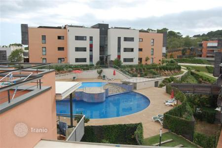 Apartments with pools by the sea for sale in Lloret de Mar. Apartment in a luxury residential complex in Lloret de Mar