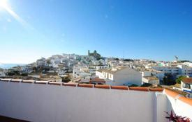 Charming house with panoramic views in old town Altea for 275,000 €