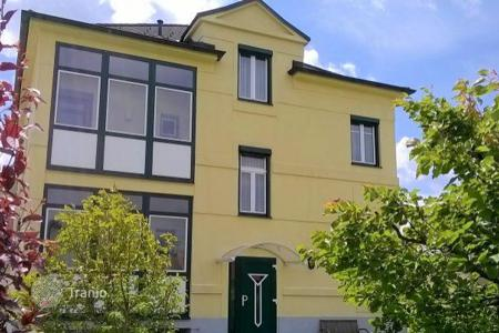 Residential for sale in Baden bei Wien. Villa with garden and garage in the popular district of Baden, Austria
