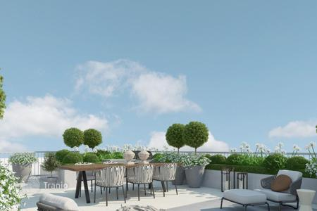Residential for sale in Germany. Elite penthouse with roof terrace of 70 m² in a new building near the Landwehr canal and the park, the center of Berlin, Mitte