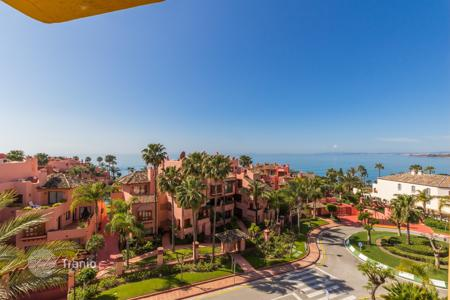 Penthouses for sale in Estepona. Penthouse – Estepona, Andalusia, Spain
