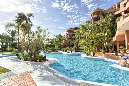 2 bedroom apartments for sale in Costa del Sol. Fabulous Apartment in Private Wing of the Kempinski Hotel, Estepona