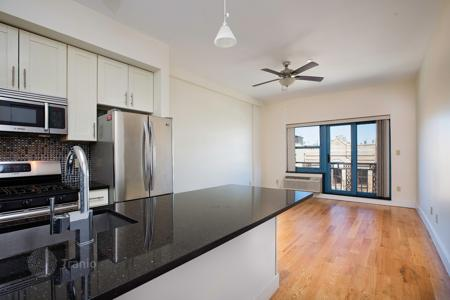1 bedroom apartments to rent in Brooklyn. Beautiful 1BR/1BA w/ Elevator, Washer & Dryer, Balcony — Grand & Bedford