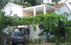 Bright cottage with a guest apartment, a terrace and mountain views, near the city center, Budva, Montenegro for 600,000 €