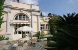 Luxury townhouses for sale in France. Ancient house with a garden, near the beach, Cannes, France
