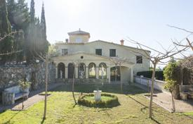 1 bedroom houses for sale in Costa Brava. Unique villa with a pool, a fountain and a veranda, close to the beaches, Palau-saverdera, Spain