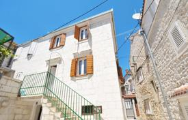 Property for sale in Trogir. Stone house in Seget