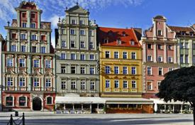 1 bedroom apartments for sale in Germany. Two-room apartment with balcony in Sharlottenburg. Yield of 2,6%.
