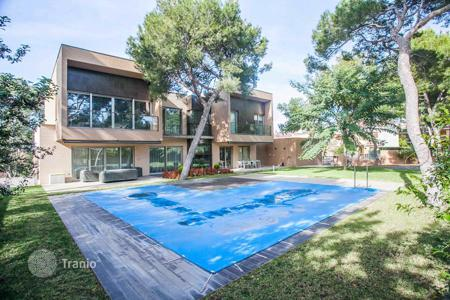 Houses with pools for sale in La Cañada. Villa – La Cañada, Valencia, Spain