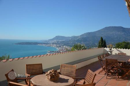 Luxury houses for sale in Mortola. Villa – Mortola, Liguria, Italy