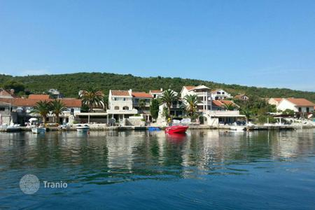Coastal houses for sale in Tivat (city). Townhome – Tivat (city), Tivat, Montenegro