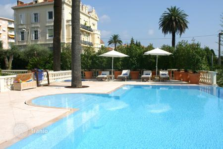 Coastal villas and houses for rent in Cannes. Luxury Belle Epoque villa, Cannes