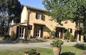 4 bedroom houses for sale in Pisa. Villa – Pisa, Tuscany, Italy