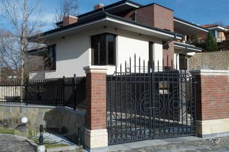 Houses for sale in Mountains in Bulgaria. Detached house – Bankya, Sofia-grad, Bulgaria